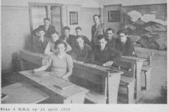 1949-1950-voorjr-klas 4 HBS-B-met namen-bw