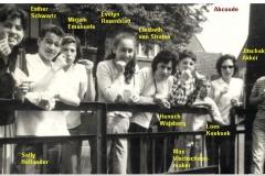 1963-64-1B-met namen