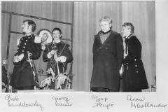 1964-toneel-huwelijkscandidaat-03-met namen