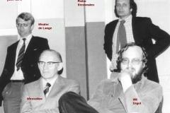 1974-1975-juni-wedstrijd-lerarenteam-met namen