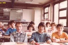 1982-1983-2B-natk-rechts-met namen-onvoll