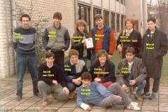 1985-1986-5V-01-met namen