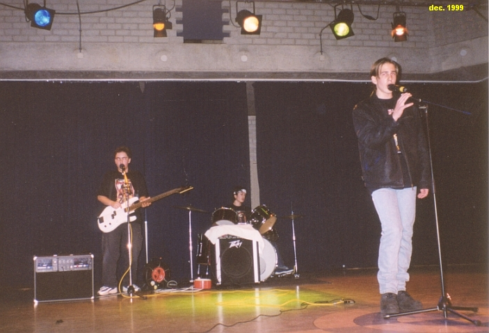 1999-2000-dec-01