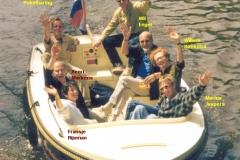 1999-2000-juli-docenten-boot-01-met namen